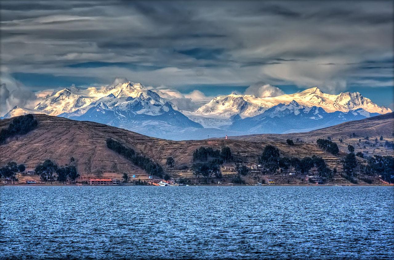016 1280px-Lake_Titicaca_(4094294277)